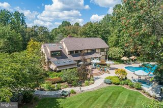 7 Fawn Dr, Reading, PA 19607