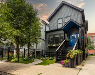 2944 N Seeley Ave, Chicago, IL 60618