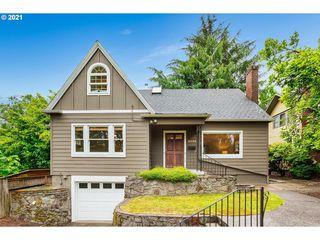 3325 SE Stark St, Portland, OR 97214