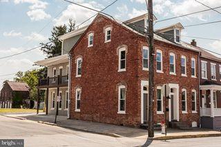 494 Manor St, Columbia, PA 17512
