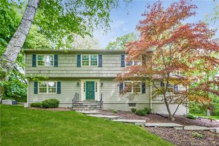 945 South Ave, New Canaan, CT 06840