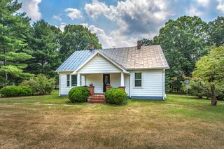 9606 Dickerson Mill Rd, Moneta, VA 24121