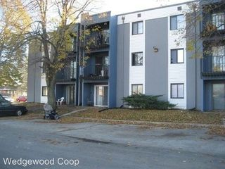 2555-2557 Wedgewood Rd, Des Moines, IA 50317
