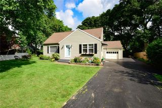 26 Elwell Dr, Rochester, NY 14618