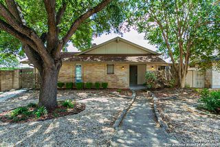 5942 Grandwood Dr, San Antonio, TX 78239