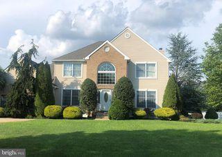 32 Buttonwood Dr, Woodstown, NJ 08098