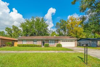4840 Lofty Pines Cir W, Jacksonville, FL 32210