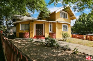 158 S Hoover St, Los Angeles, CA 90004