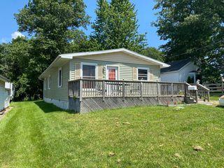 433 E Bogardus St, Paxton, IL 60957