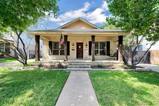 1805 S 9th St, Waco, TX 76706