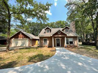 6912 Lakeview Dr, Bonham, TX 75418