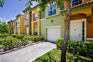 2700 Quantum Lakes Dr, Boynton Beach, FL 33426