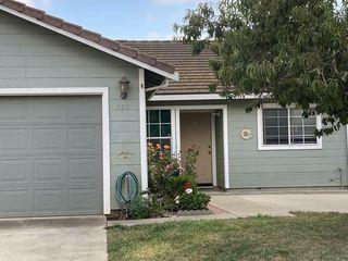 950 La Mancha Way, Salinas, CA 93905
