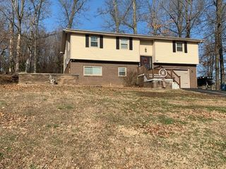 261 Hickory Hollow Dr, Madisonville, KY 42431
