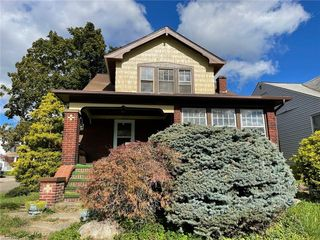 8127 Garfield Blvd, Garfield Heights, OH 44125