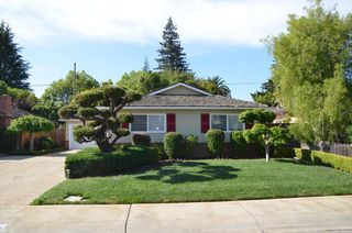 1563 Gilmore St, Mountain View, CA 94040
