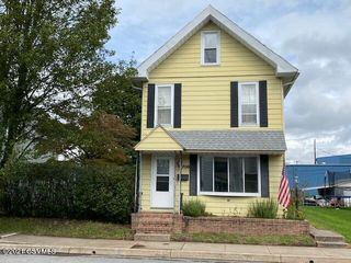 706 Ash St, Watsontown, PA 17777