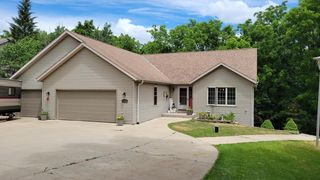30814 Pleasant View Dr, Waterford, WI 53185
