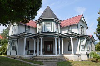 17 Salem Ave, New Castle, VA 24127