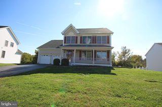 4 Chicory Ln, Pennington, NJ 08534