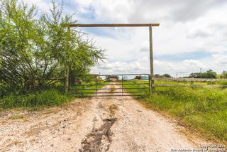 330 Private Road 6285, Kenedy, TX 78119