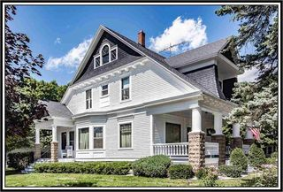 715 Dickinson St, New London, WI 54961