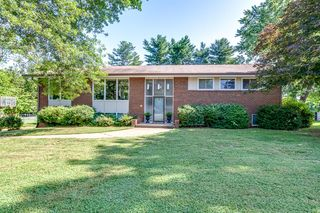 809 Whirlaway Cir, Knoxville, TN 37923