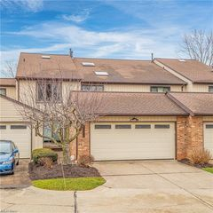 2409 Bunker Ln #AC, Willoughby, OH 44094