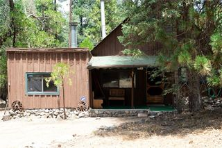 31 Barton Flts, Angelus Oaks, CA 92305