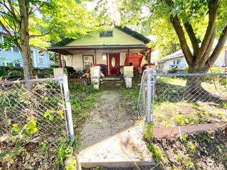 423 S Creek Ave, Bartlesville, OK 74003