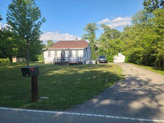 221 Haman Rd, Barrington, IL 60010