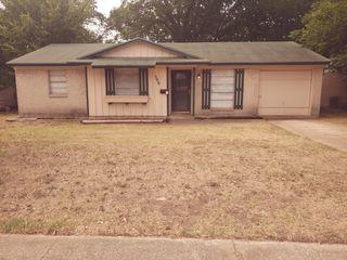 590 Summit Ridge Dr, Duncanville, TX 75116
