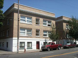 1809 SE Hawthorne Blvd #105, Portland, OR 97214