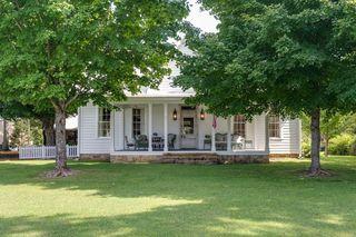 363 College St, Monteagle, TN 37356