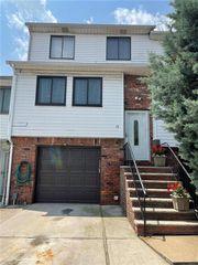 18 Stratford Ct #0, Staten Island, NY 10314
