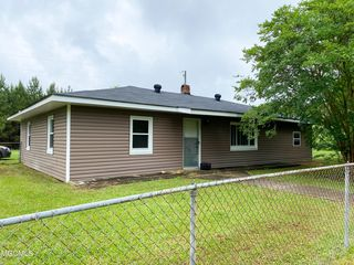 1056 K Town Rd, State Line, MS 39362