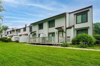 207 Cottonwood Rd #207, Newington, CT 06111