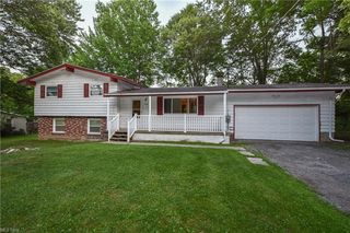 4355 Pembrook Rd, Youngstown, OH 44515