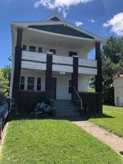 9816 Manor Ave, Cleveland, OH 44104