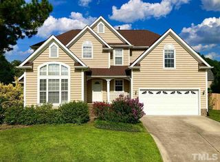 112 Equestrian Ct, Cary, NC 27513