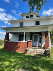 2933 Smith St, Fort Wayne, IN 46806