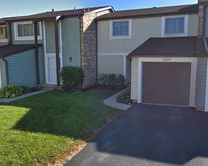 1509 Cedarwood Ln, Wheeling, IL 60090