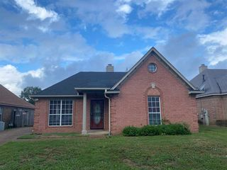 3809 Walden Meadow Dr, Memphis, TN 38135
