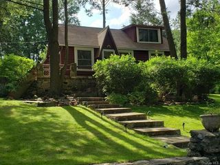 43 Rogers Ln, Yorktown Heights, NY 10598