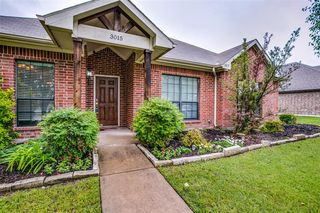 3015 Carlton Pkwy, Waxahachie, TX 75165
