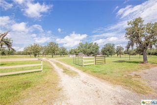 340 Deer Trail Ln, Goliad, TX 77963