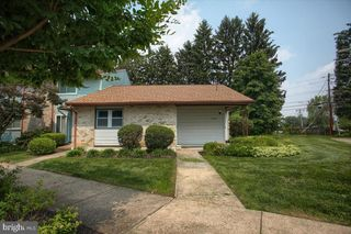 42 Drexel Pl, New Cumberland, PA 17070