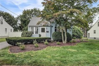 79 Kenny Dr, New Haven, CT 06513