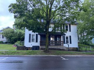 130 W Main St, Somerset, OH 43783