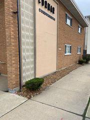 4211 W 95th St, Oak Lawn, IL 60453